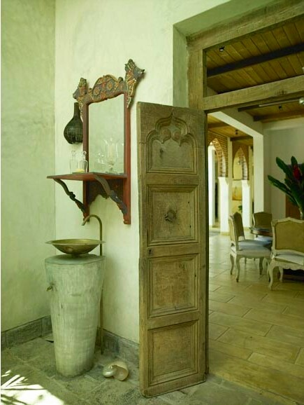 ... : Rustic Pedestal and Wall-Mounted Bathroom Sinks Nomadic Decorator