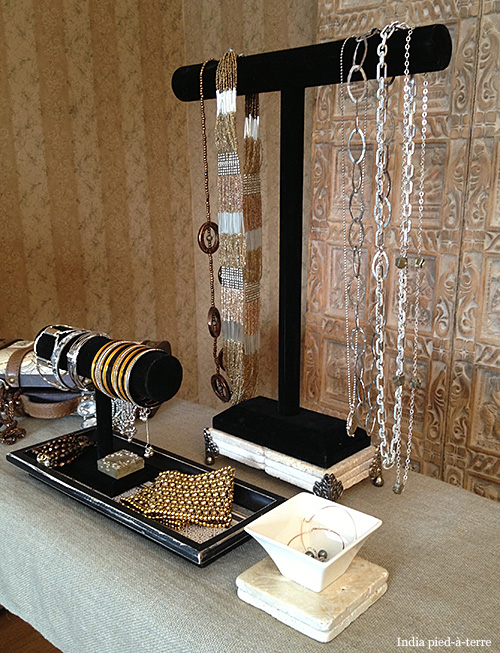 DIY Bangle Bar and Necklace Bar Jewelry Organizers Nomadic Decorator