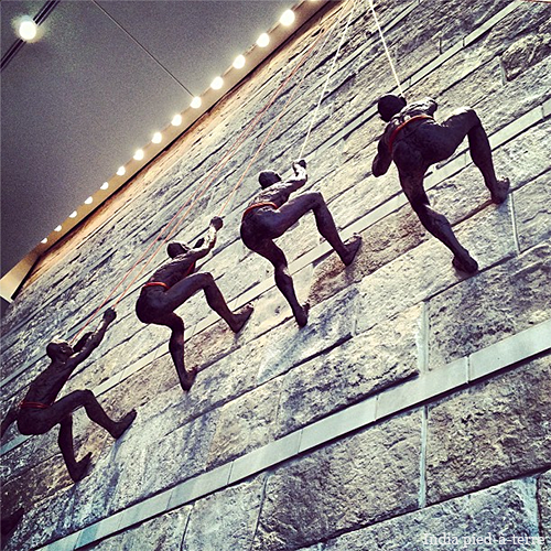 Rock-Climber-Art-at-Denver-Hyatt