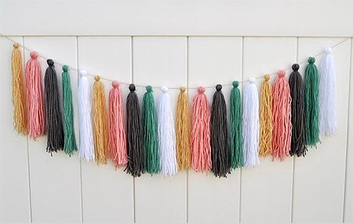 DIY Yarn Tassel Garland via paperblog