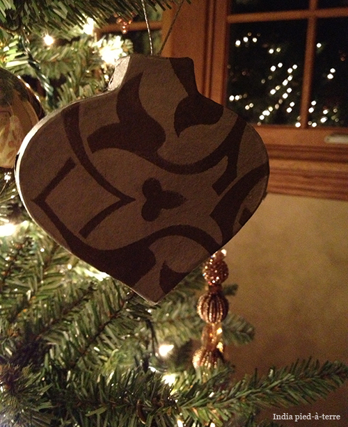 Christmas Ornament with a Stenciled Design