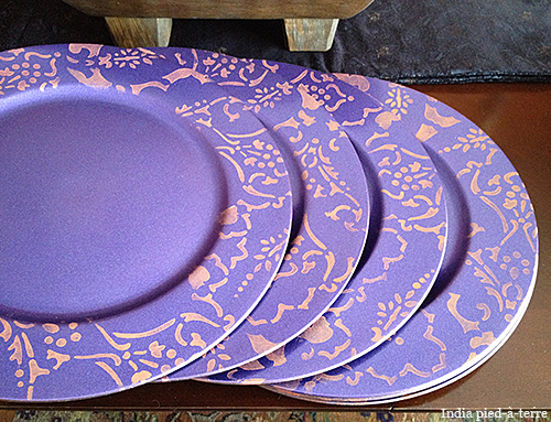 DIY Stenciling on Plate Chargers