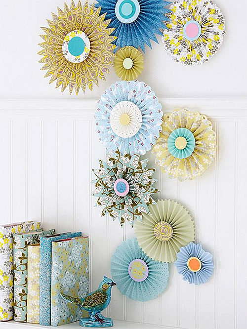 Patterned Paper Circles on Wall via BHG