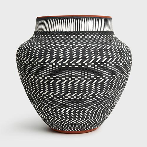 DARA Artisans Melissa Antonio Acoma Pottery