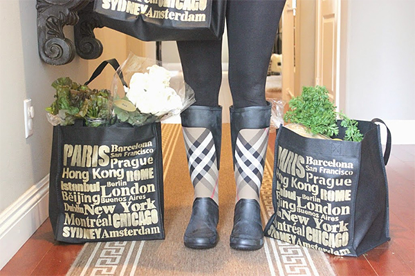 http://www.mendezmanor.com/diy-stenciled-shopping-bag/