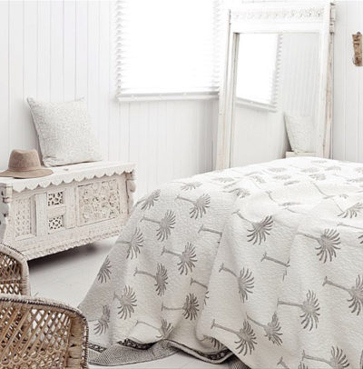 Alabaster Trader White Patterns