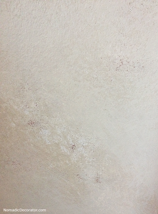Mottled Old Wall Look with Paint