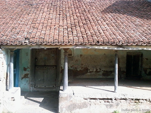 Abandoned-House-on-Brahmin-Street