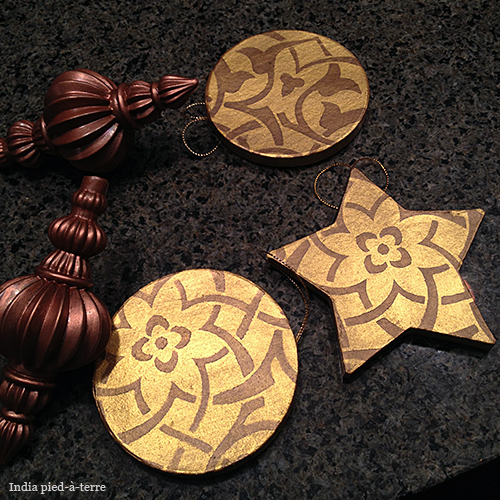 Stenciling on Christmas Tree Ornaments
