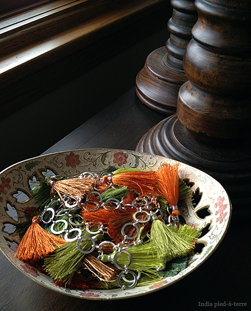 Chain Garland in a Bowl