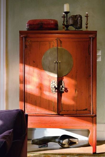 Red Lacquer Chinese Cabinet via Skona Hem