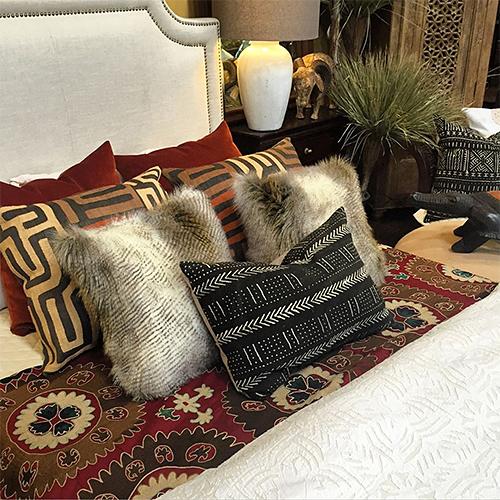 Bed Styling at Tierra del Lagarto in Scottsdale