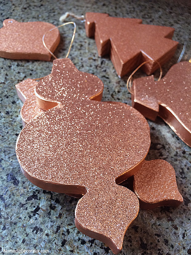 No Mess Glitter Christmas Tree Ornaments